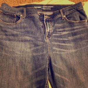 Women's Old Navy Perfect Straight Mid Rise Jeans!